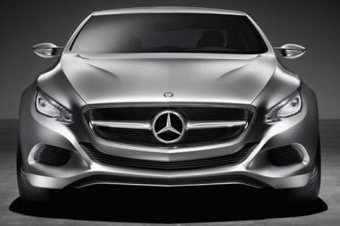 """""""Mercedes-Benz"""" pristatė sportinio universalo prototipą"""