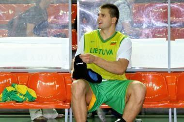 Geriausių krepšininkų rinkimuose pirmauja L.Kleiza ir G.Petronytė