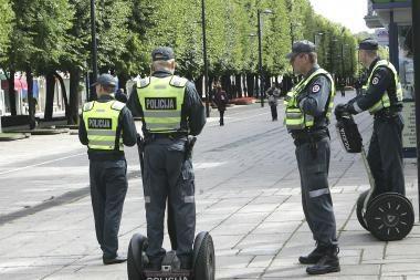 Policijos pareigūnai stebės futbolo sirgalius