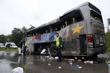Vokietijoje per lenkų turistų autobuso avariją žuvo 13 žmonių (papildyta)