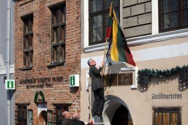 Per L.Kaczynskio laidotuves sekmadienį Lietuvoje skelbiamas gedulas