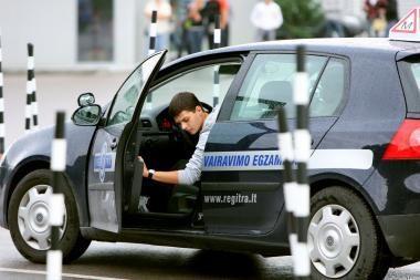 Nuo 2012 m. griežtinami reikalavimai gauti vairavimo pažymėjimą