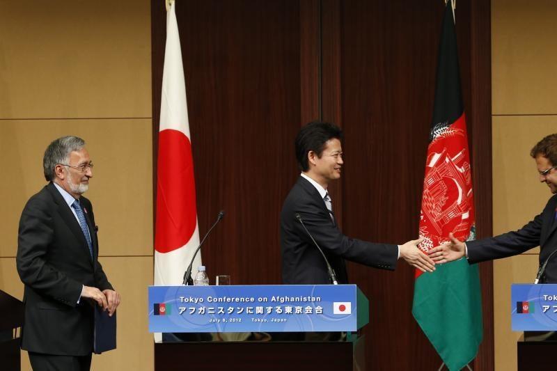 Donorės Tokijuje pažadėjo 16 mlrd. dolerių pagalbą Afganistanui