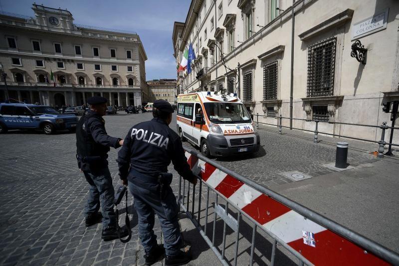 Romoje siautėjęs bedarbis mūrininkas norėjo šaudyti į politikus