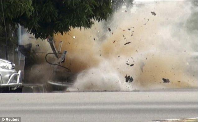 Tailando pietuose detonavus užminuotam automobiliui žuvo penki žmonės