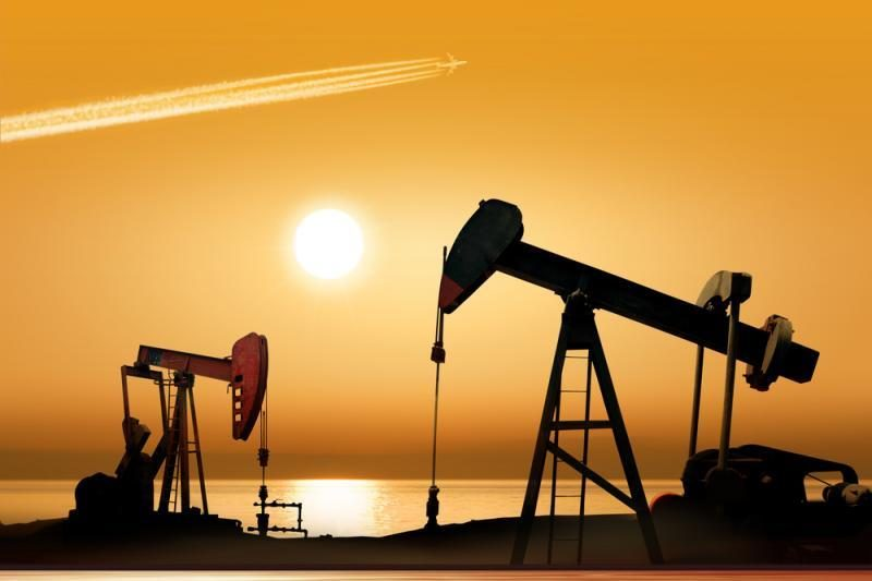 Rinkoms nerimaujant dėl Graikijos, naftos kainos patraukė žemyn