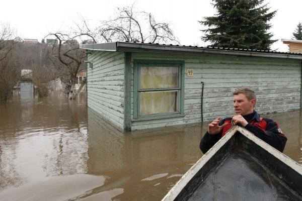 Į pagalbą nukentėjusiems nuo potvynio atskubės kariai