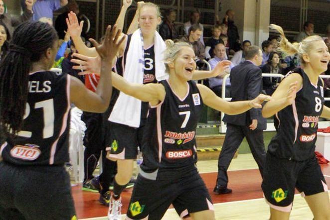 """E. Šniokaitė: mūsų komanda turi 17 gerbėjų (""""Kibirkšties"""" dėjimai)"""