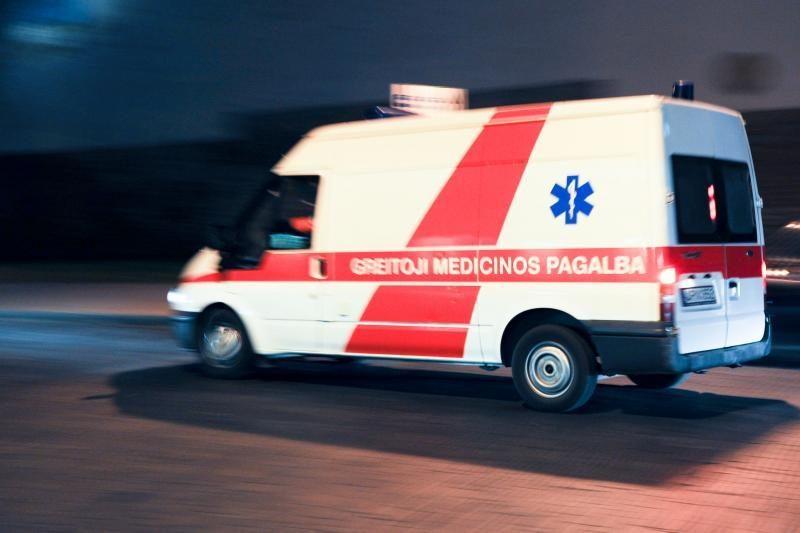 Avarijos Vilniuje: susidūrė automobiliai, partrenktas pėsčiasis