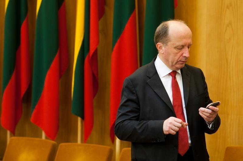 """A.Kubilius: iškalbinga, kad buvęs """"Snoro"""" vadovai negrįžta į Lietuvą"""