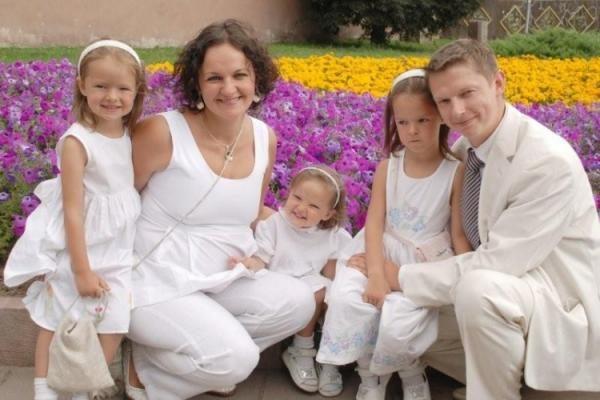 Šeimos idilė: būrys vaikų ir dar daugiau anūkų