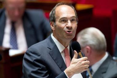 Prancūzijos žiniasklaida paviešino naujus kaltinimus darbo ministrui