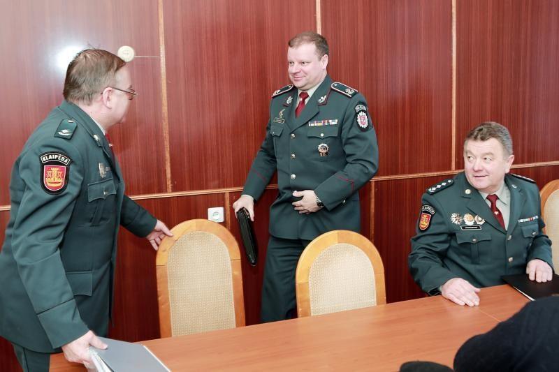 Klaipėdos vyriausiojo policijos komisariato statyba stringa