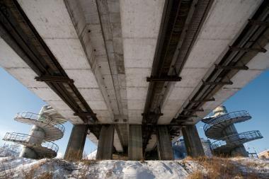 Sustiprinta sostinės tiltų priežiūra