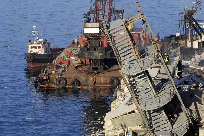 Italijoje po laivybos nelaimės ieškoma gyvųjų