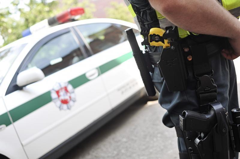 Iš vairuotojo konfiskuoti kazino žetonai, kuriuos jis siūlė policijai
