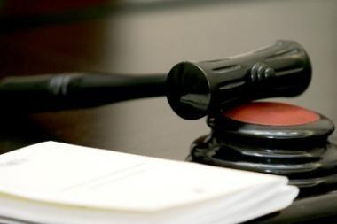 Kėdainių teismas gavo voką su baltais milteliais