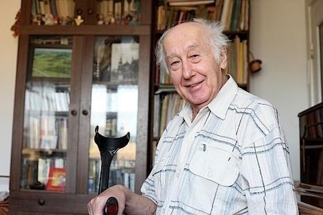 Prezidentė 80-mečio proga pasveikino rašytoją H. A. Čigriejų