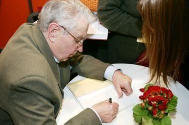 Poetas J.Marcinkevičius švenčia 80 metų jubiliejų