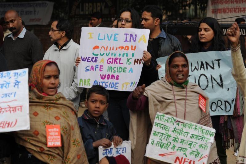 Indijos televizijai iškelta byla dėl interviu, susijusio su išžaginimu