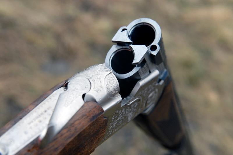 Policininkai grūmėsi su medžiokliniu šautuvu ginkluotu vyru