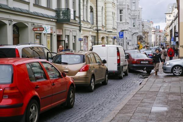 Vilniaus senamiestyje atidarytos dvi naujos automobilių stovėjimo aikštelės