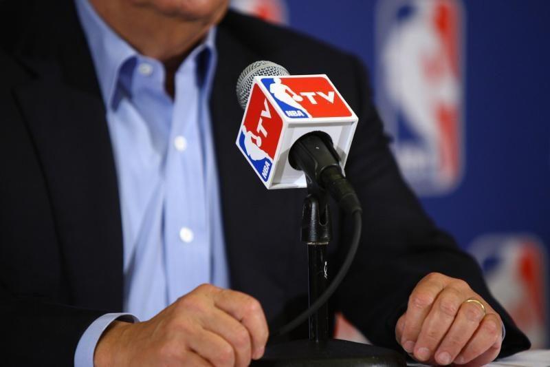 Rytoj NBA žaidėjai galės treniruotis komandų salėse