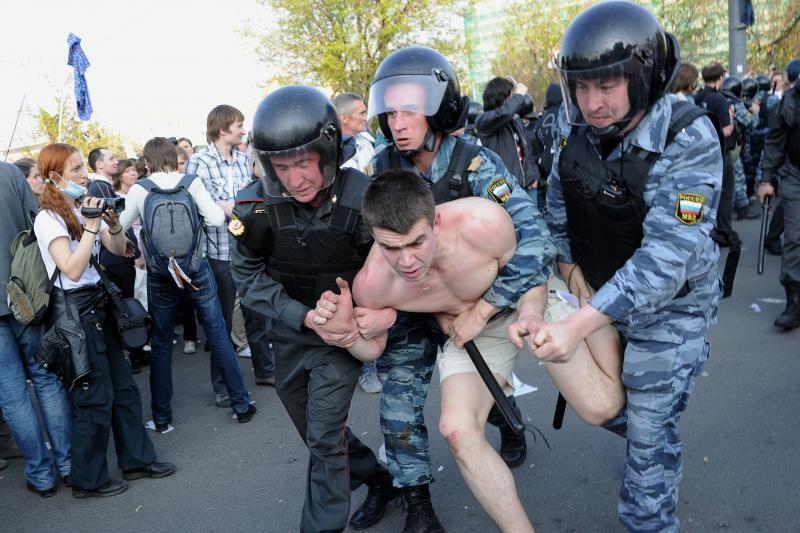 V.Putino sugrįžimo išvakarėse protestuotojai susirėmė su policija