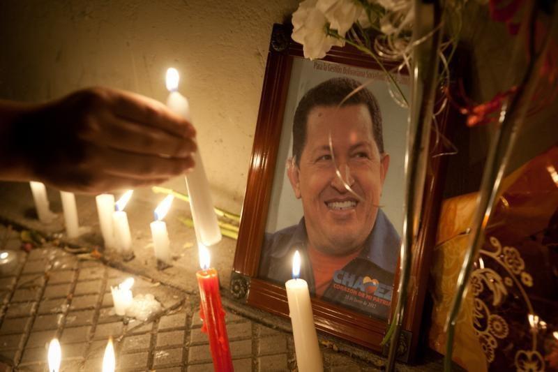 Pasaulio lyderiai renkasi į H. Chavezo laidotuves