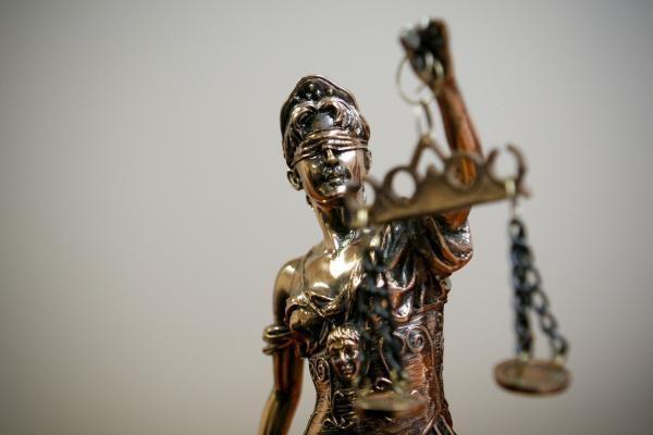 Įtariamieji dėl verslininko D.Vaisėtos nužudymo bandė nušalinti teismą