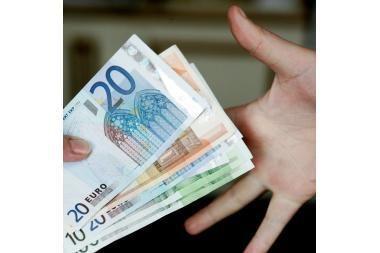 Euro kursas auga JAV dolerio atžvilgiu