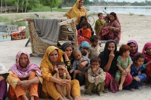 Pakistane į upę nukrito 30 vaikų vežantis sunkvežimis