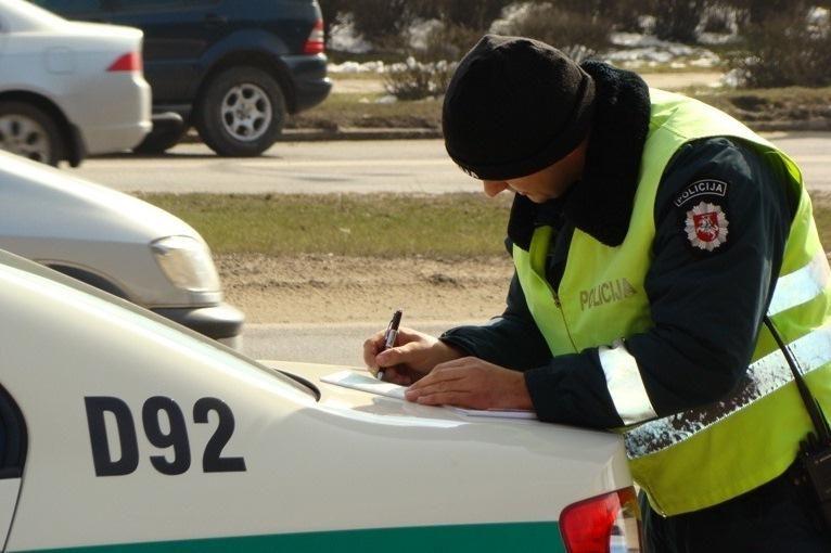 Per savaitę policijai įkliuvo per 3,5 tūkst. greičio mėgėjų