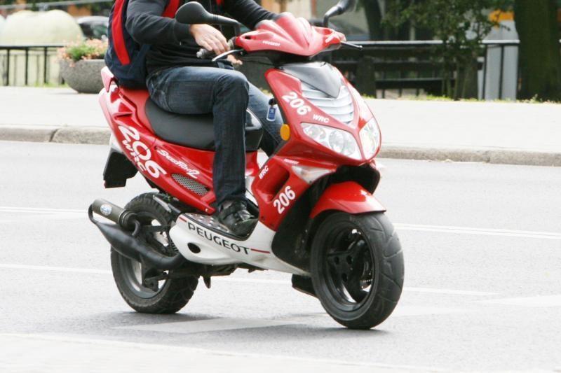 Mažeikių rajone žuvo motorolerio vairuotojas