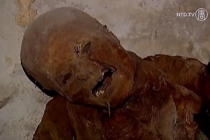 Mįslė: kodėl miestelyje palaidojami kūnai natūraliai mumifikuojasi?