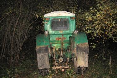 Įkliuvo neteisėtai medžius pjovę trys rusniškiai