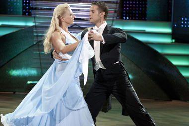 E.Santos gailisi nuvylusi savo šokių partnerį