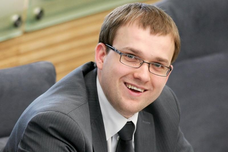 """""""Darbiečiai"""" prašo partijos tarybos patarimo, kaip balsuoti dėl VAE"""