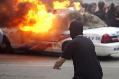 Protesto prieš G-20 demonstraciją užtemdė smurtas, areštuota 130 žmonių
