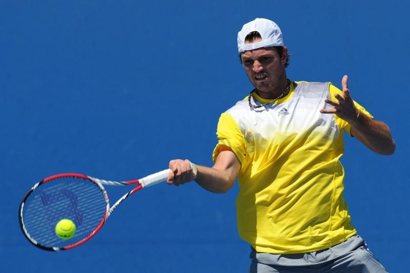 Hjustone startavo ATP serijos turnyras (artėja R. Berankio kova)