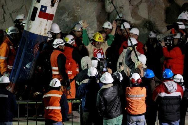 Čilės prezidentas kasyklą paliks tuomet, kai bus išgelbėti visi 33 kalnakasiai
