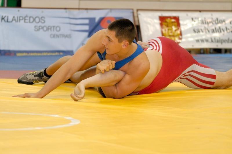 Septyni lietuviai tapo tarptautinio imtynių turnyro nugalėtojais