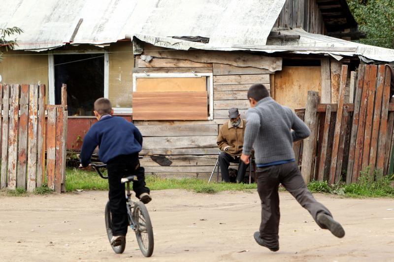 Pusė romų gyvena netinkamomis sanitarinėmis sąlygomis