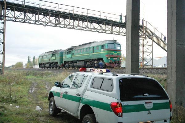 Po traukinio ratais žuvo 24 metų vyras