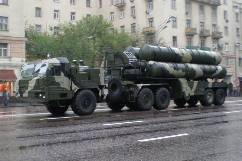 S-400 kompleksas stos į kovinę sargybą Kaliningrade balandį