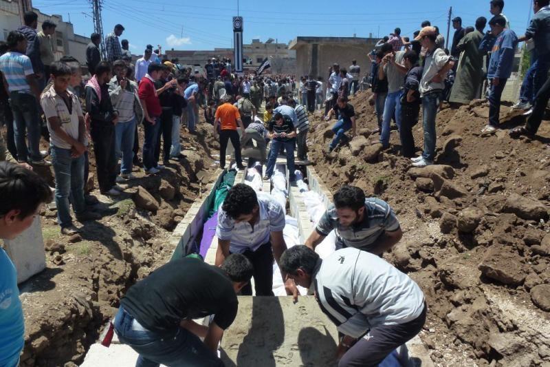 Sirijoje smurtas antradienį pareikalavo 98 žmonių gyvybių