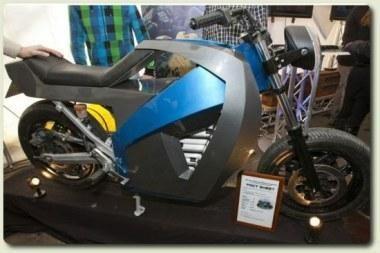 """Elektrinį motociklą valdo """"Linux"""""""