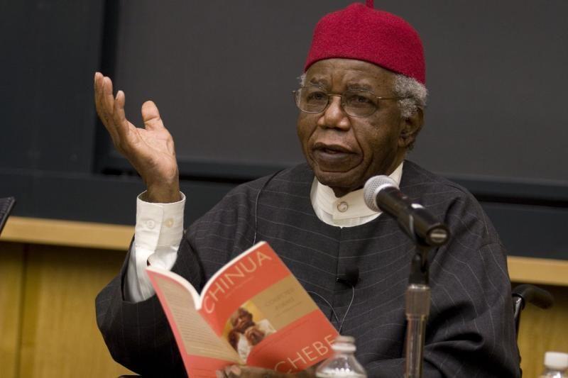 """Mirė Nigerijos rašytojas C.Achebe, laikomas """"Afrikos literatūros tėvu"""""""