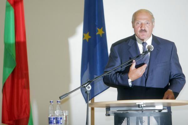 A.Lukašenka skelbiasi neturintis nei akcijų, nei nekilnojamojo turto