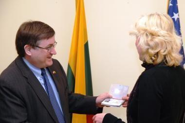 Imigracinės vizos į JAV jau išduodamos JAV ambasadoje Vilniuje